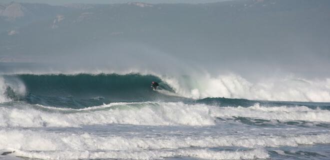 Espectacular sesión de Surf en Tarifa, Cádiz, Andalucía (España)