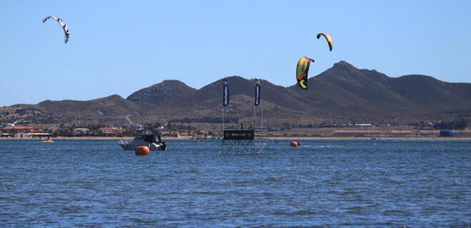 La Manga Xperience 2016 acoge pruebas de Kite Surf y SUP en el Mar Menor de Murcia (España)
