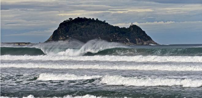 Las agitadas aguas de Zarautz acogen de nuevo las series clasificatorias de la WSL