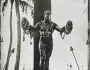 'Duke' (detalle) | Fotografía de Bernard Testemale | 'The Big Wave Riders of Hawaii'