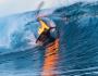 Jamie Obrien | Tubo en Teahupo'o envuelto en fuego | Foto Tim Mckenna/Red Bull