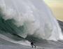 Surfeando una ola gigante en Ensenada (Baja California, México)