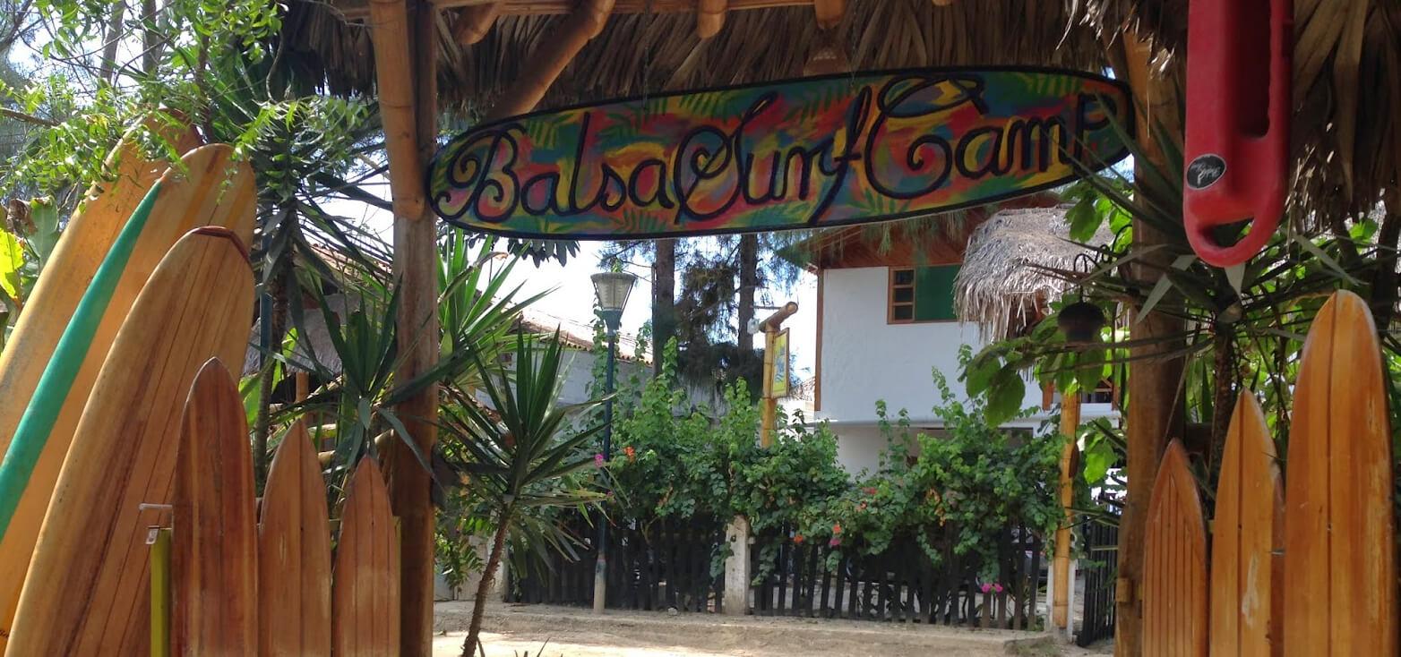 Surfcamp Balsa Surf Camp in Montañita, st. Helen, Ecuador