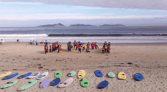 Surfcamp Patos Surf Escuela y Club in Nigrán, Galicia, España