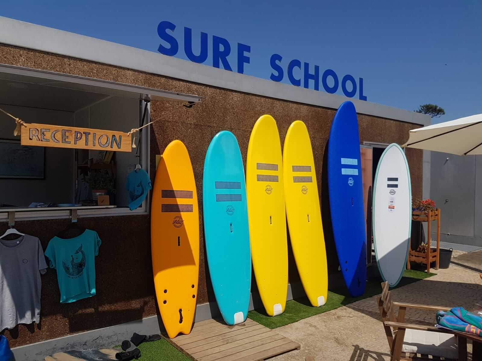 Surfcamp SALT FLOW - Surf School in Esposende, funda, Portugal