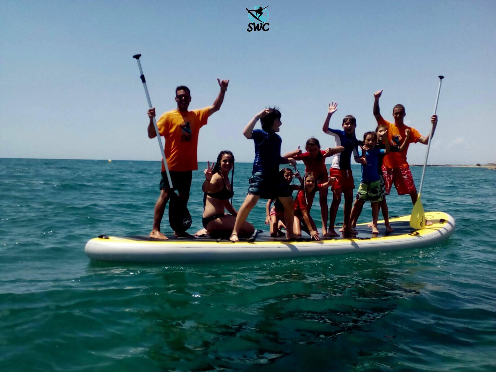 Surfcamp Club & School Surfing World Cubelles in Cubelles, Cataluña, España