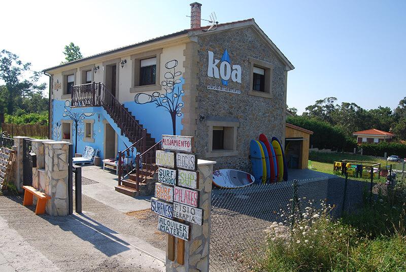 Surfcamp Koa Escuela de Surf y Surfcamp in Ribamontan al Mar, Cantabria, España