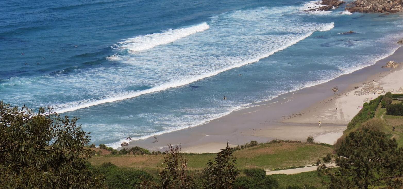 Surfcamp Base Surf Camp in Oleiros, Galicia, España
