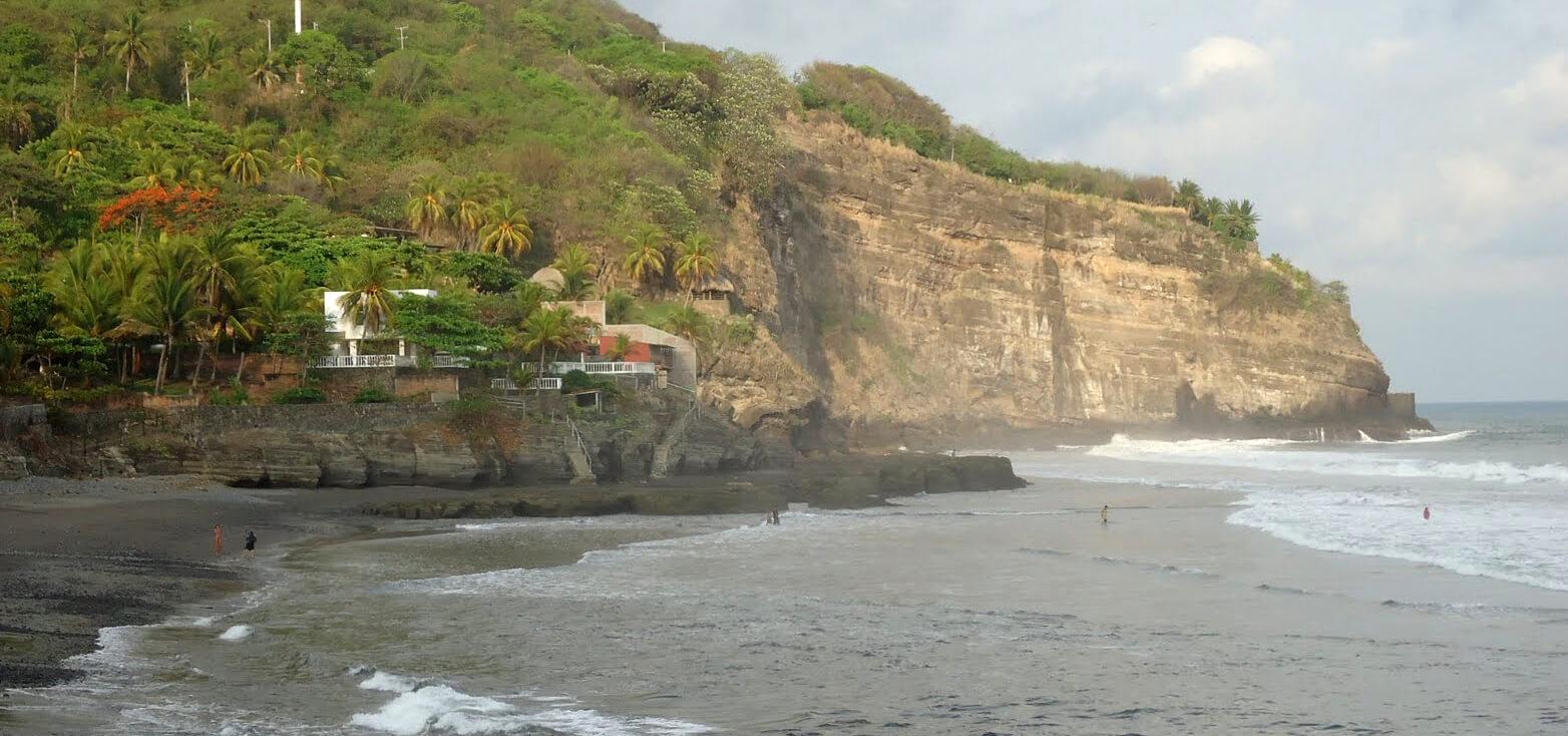 Surfcamp Esencia Nativa in El Zonte, La Libertad, El Salvador