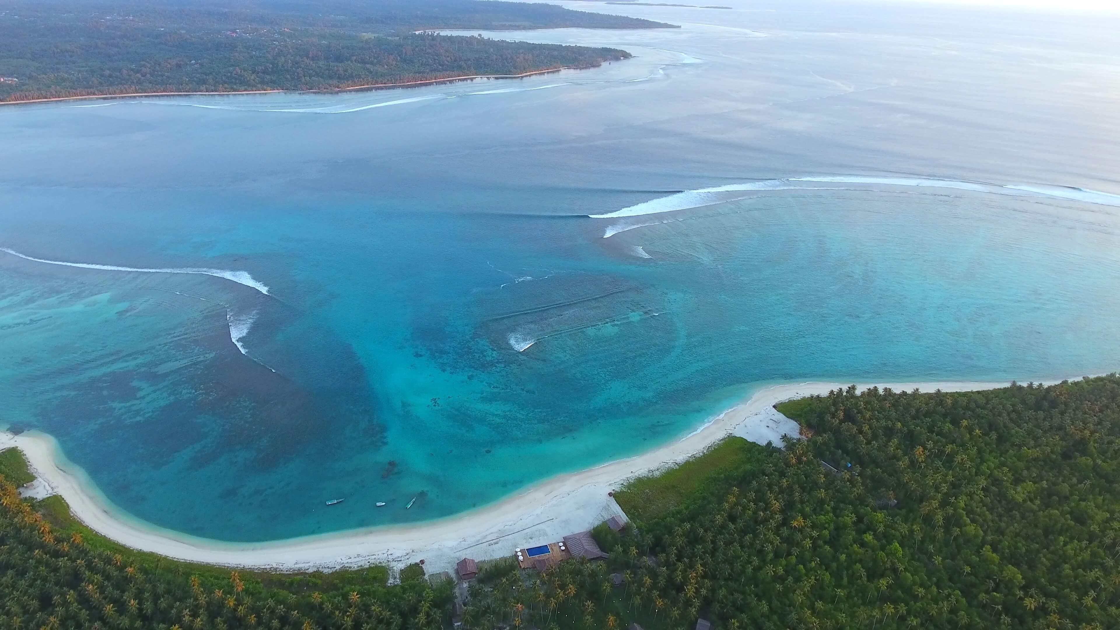 Surfcamp Awera Resort in Central Mentawai, Sumatra Occidental, Indonesia